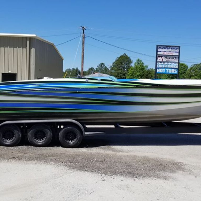 Chris-Craft 32ft Boat
