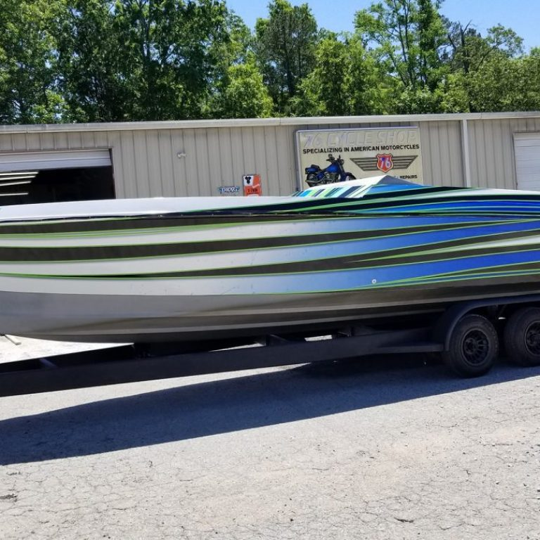 Chris-Craft 32ft Boat